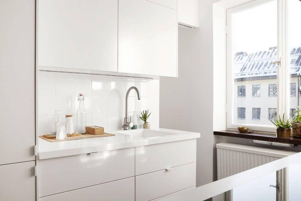 белая встраиваемая кухня