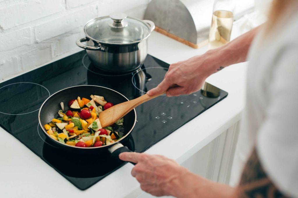 лучшие сковороды каменные