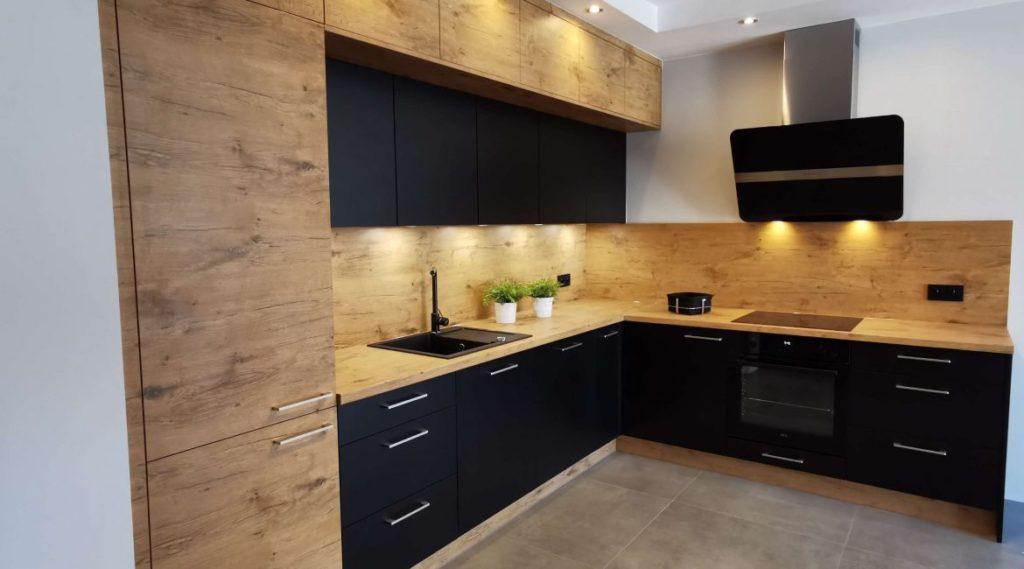 кухонный гарнитур черный мрамор
