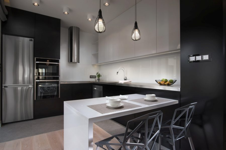 черные угловые кухонные гарнитуры