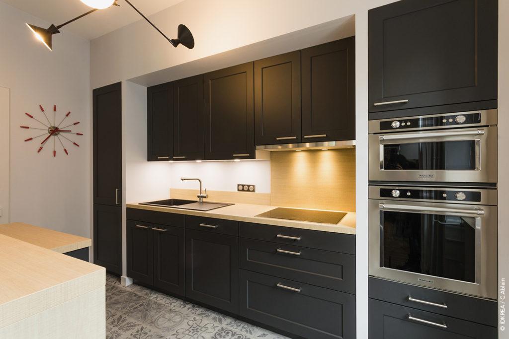 фото черных кухонь в интерьере
