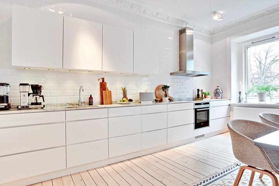 кухня бело бежевого цвета