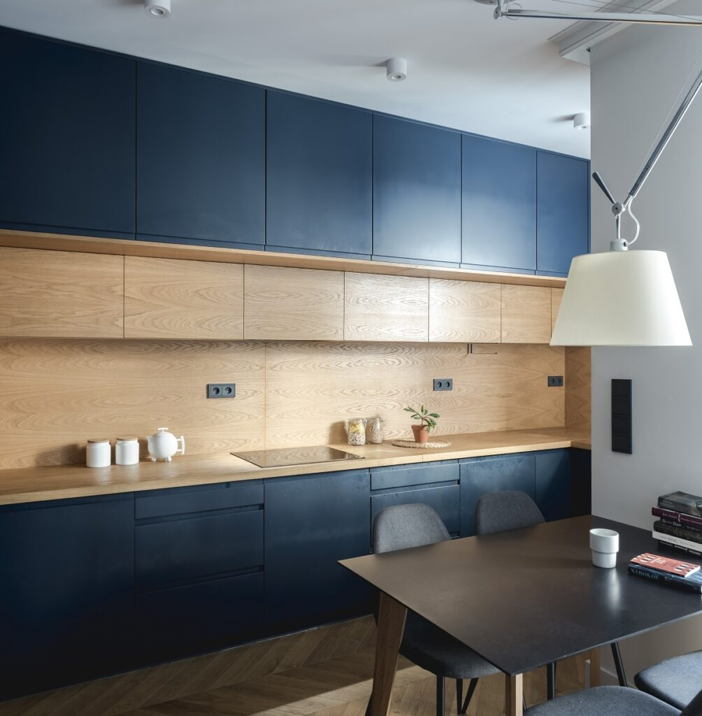 светло синяя кухня