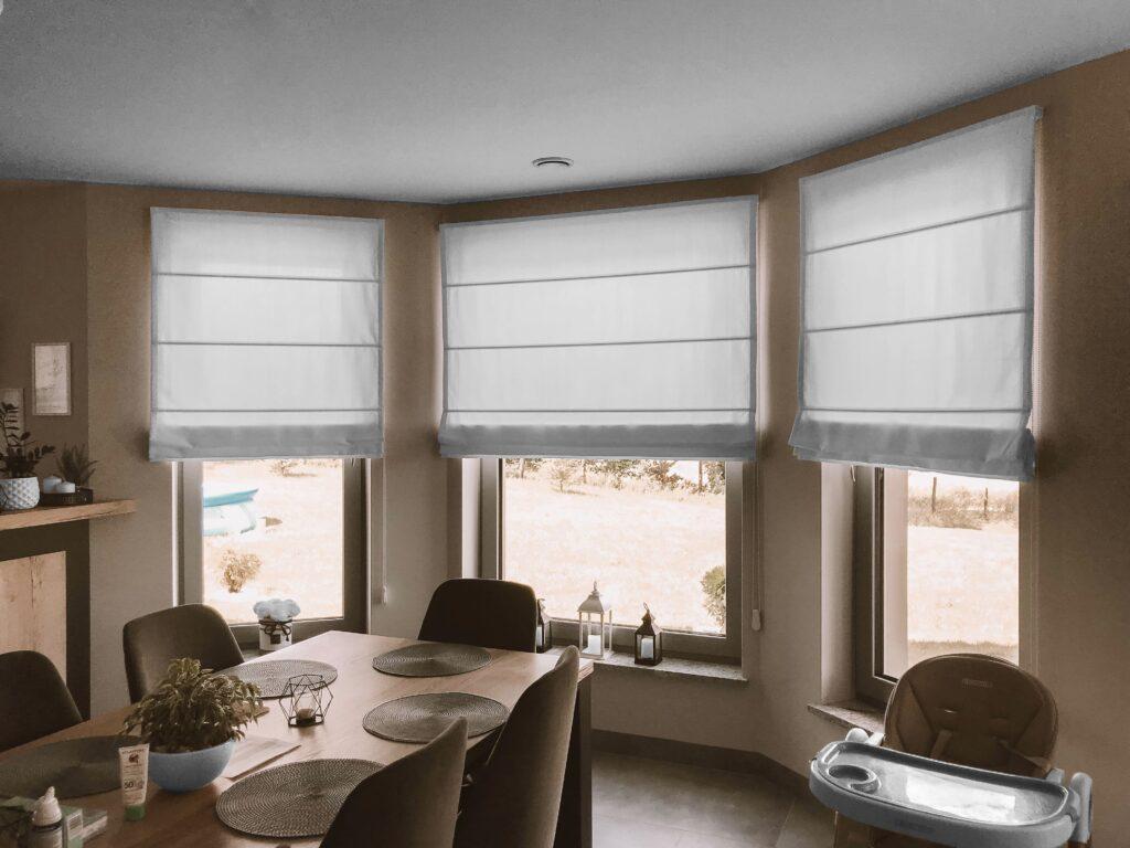 римские шторы на кухню пластиковые окна