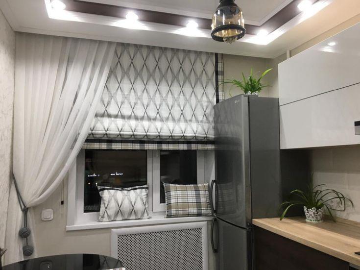 современные римские шторы на кухню