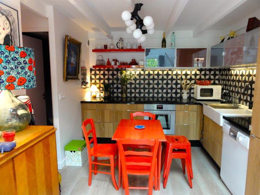 дизайн цветных кухонь
