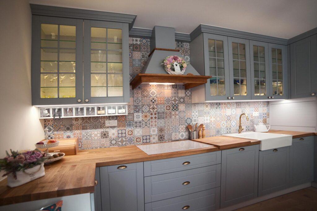 кухня серый глянец