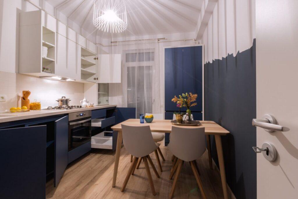 современный кухонный стол