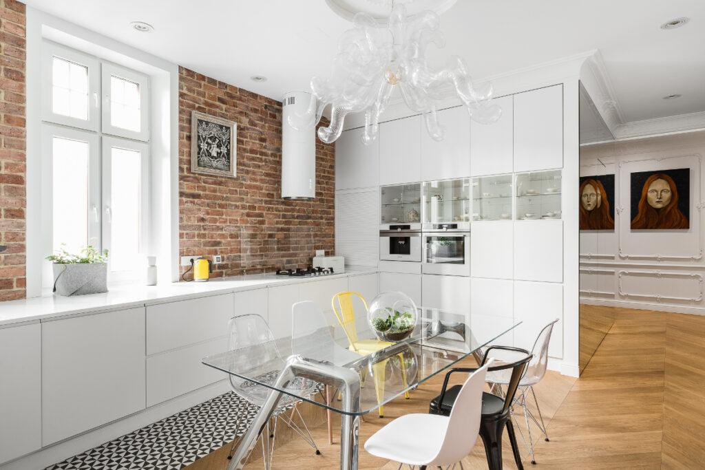 прозрачные стулья для кухни