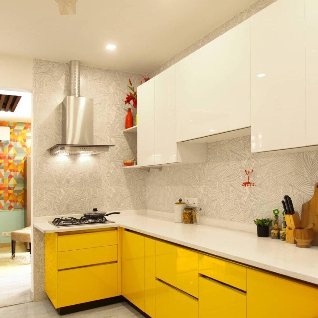 светло желтая кухня