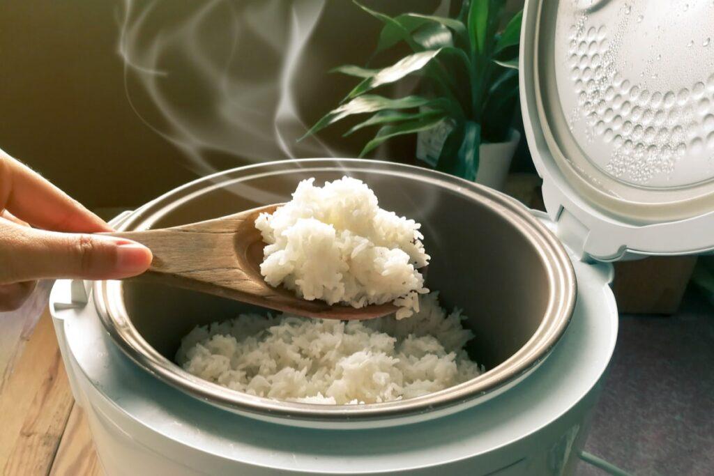 рисоварка для дома